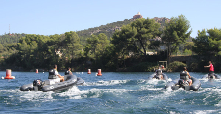 speed boat var