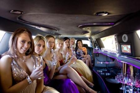 enterrement de vie de jeune fille en limousine