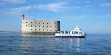 escapade bateau fort boyard EVJF EVG La rochelle