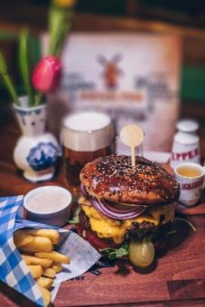 Diner burger Prague EVG, EVJF